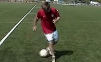 [视频]1v1实用过人动作+球感训练方法