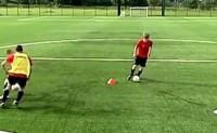 """""""像梅西一样踢球""""系列训练法03:提高变向能力"""