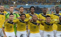 颠球新境界 哥伦比亚全队配合头球