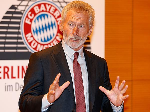 保罗·布莱特纳(Paul Breitner),前联邦德国国脚,曾代表德国队获得1972年欧洲杯冠军和1974年世界杯冠军