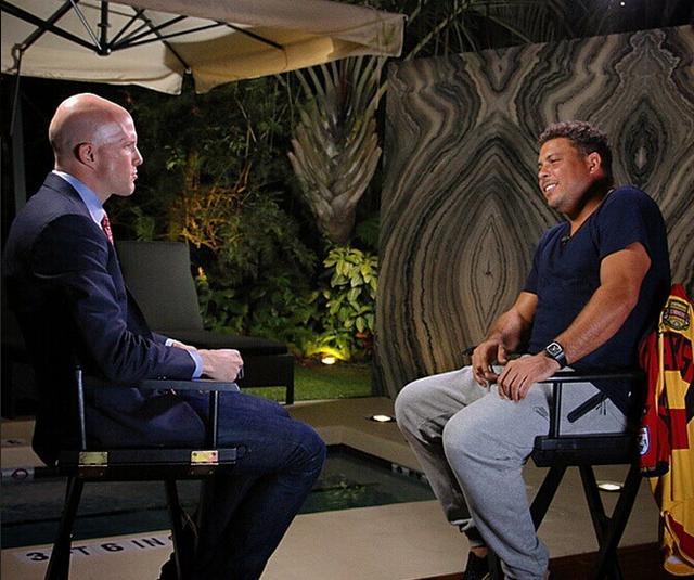 2015年1月13日,罗纳尔多在美国佛罗里达州劳德代尔堡市Hard Rock酒店接受专访