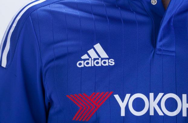 球员版Logo是印胶
